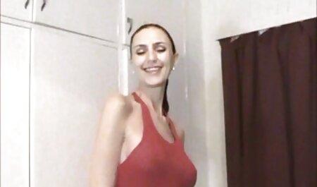 Dusica mamas maduras españolas Jovicic en el garaje