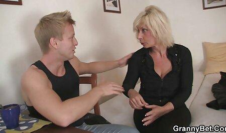 Masturbación con maduras videos en español la mano caliente Chery